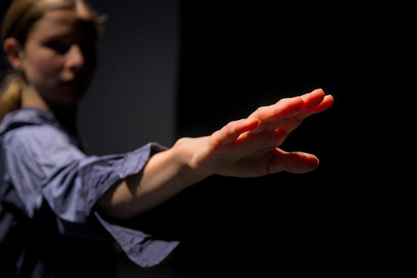 Arm von Lena Schattenberg, Fokus auf Hand