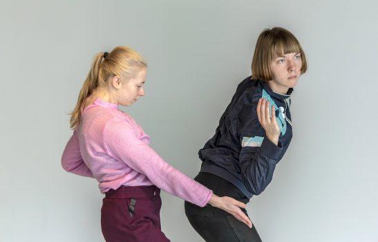 Eliza Trefas und Katarzyna Paluch seitlich, in Bewegung